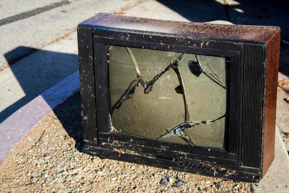 broken television social tv